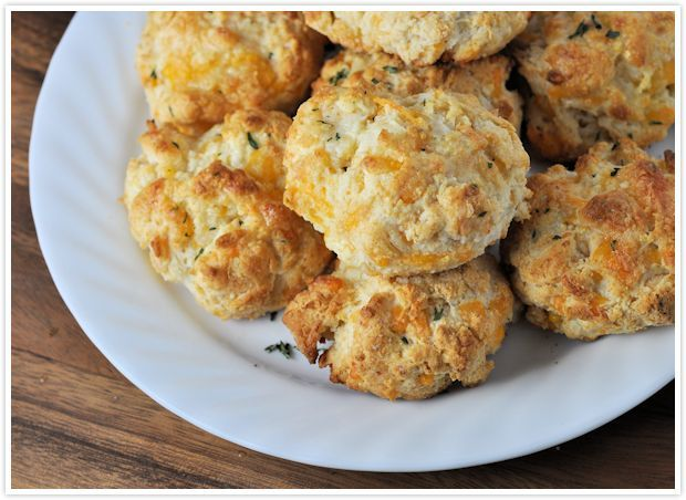 Cheesy Cheddar Garlic Butter Biscuits Recipe (think Red Lobster ...