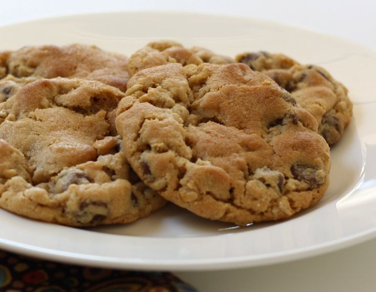 Peanut Butter Choco Chip Self Serve Cookie 3 table spoon Oatmeal 3 ...
