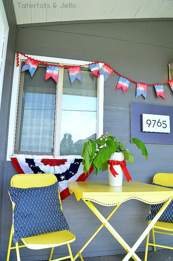 DIY Tie Dye Fourth of July Banner -- Tatertots and Jello