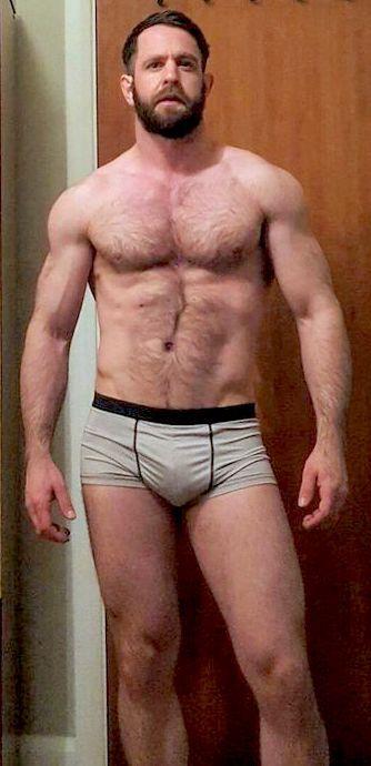 Sexy hunks sucking dick