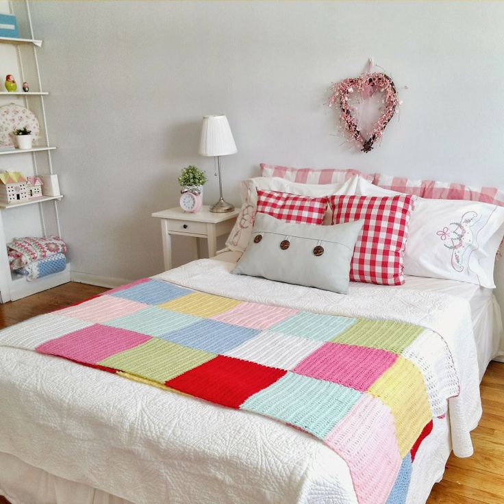 hopscotch lane: Patchwork Crochet Blanket