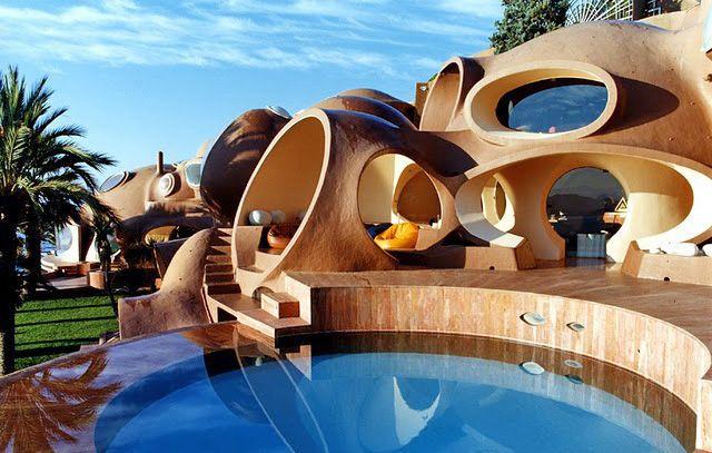 like a modern && woody hobbit house