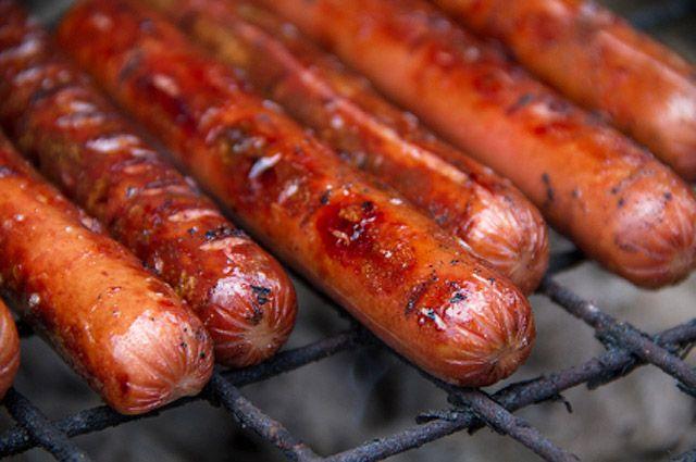 Hot Dogs Three Ways – Pepper Jam/Chili Sauce, Bourbon Caramelized ...