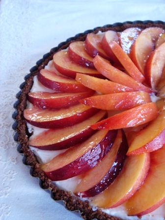 Nectarine, Mascarpone and Gingersnap Tart - so good! perfect for July ...