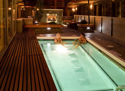 The best pool area in Banff including outdoor fireplace - Banff Aspen Lodge