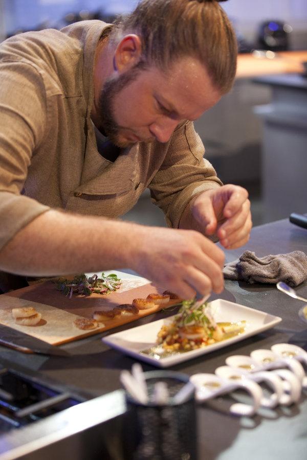 adams seared scallops with corn succotash and habanero verde