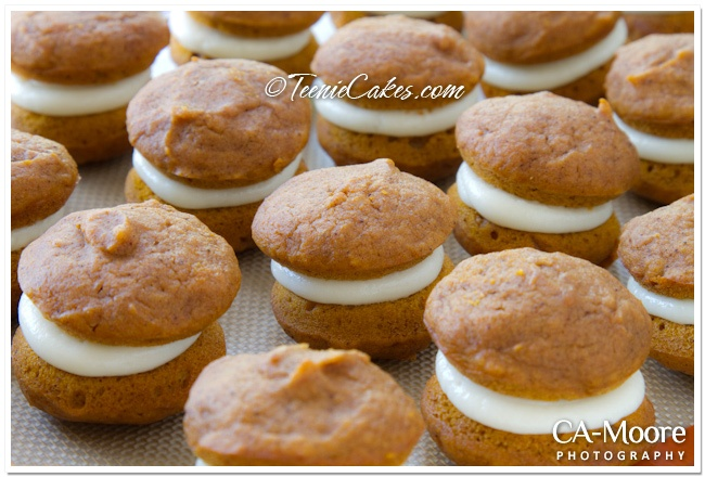 Petite Pumpkin Whoopie Pies with Cream-Cheese Filling | http://www ...