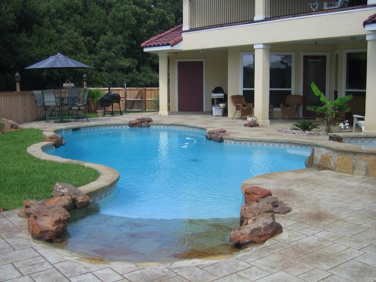 Pool spa w ashler slate concrete swimming pool for Design of swimming pool concrete