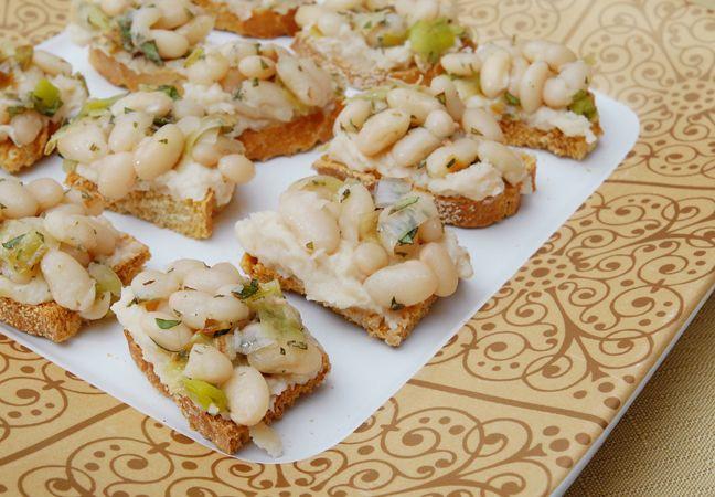 White Bean Crostini | Rufus' Food And Spirits Guide Recipes | Pintere ...
