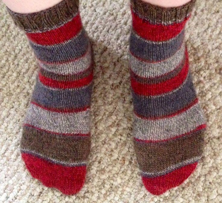 Knitting Pattern Socks Magic Loop : Magic loop knitting pattern - socks knitting projects Pinterest