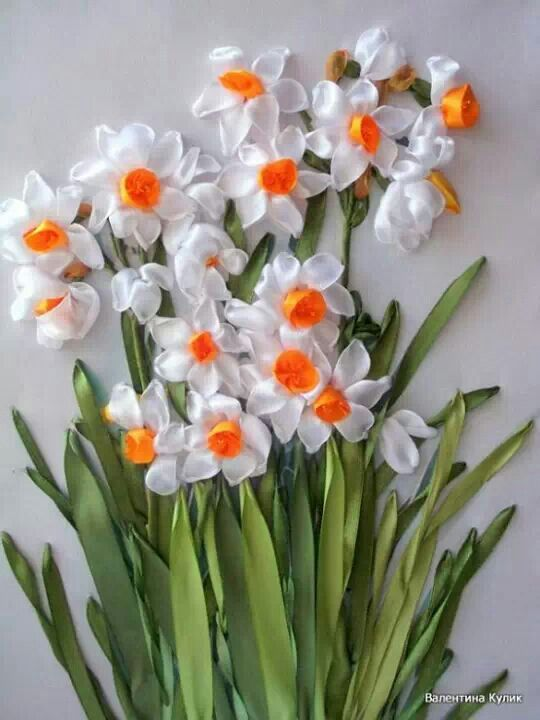 Нарцисс из атласных лент мастер класс