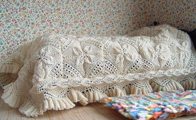 1:12th scale Apricot Leaf bedspread pattern by Frances Powell