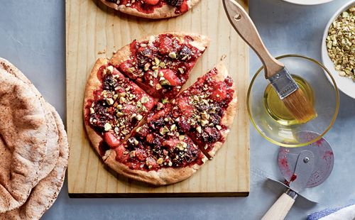 Recipe: Breakfast Pita Pizzas - made with homemade fresh fruit compote ...