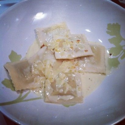 Ravioli with Garlic Wine Cream Sauce... quick weeknight dinner with a ...