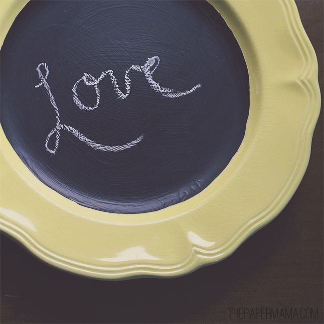 Adorable plate chalkboard! DIY post on how to make one. Tutorial found here: http://www.bhg.com/blogs/better-homes-and-gardens-style-blog/2012/05/31/diy-ify/