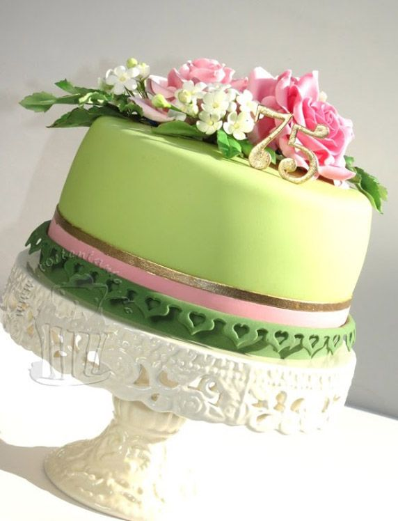 Cake Pictures: Pretty Green Cake With Pink Flowers: Birthday Cakes ...