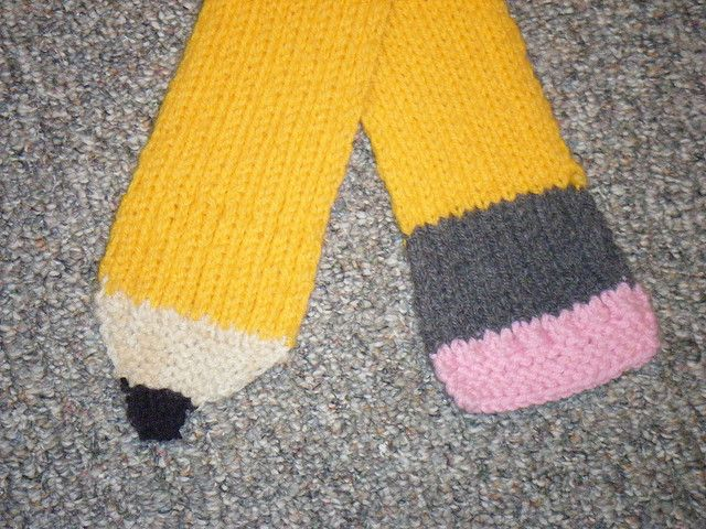 Knitting Pattern For Pencil Scarf : Pin by Sarah Shoemaker on Where my stitches at? Pinterest