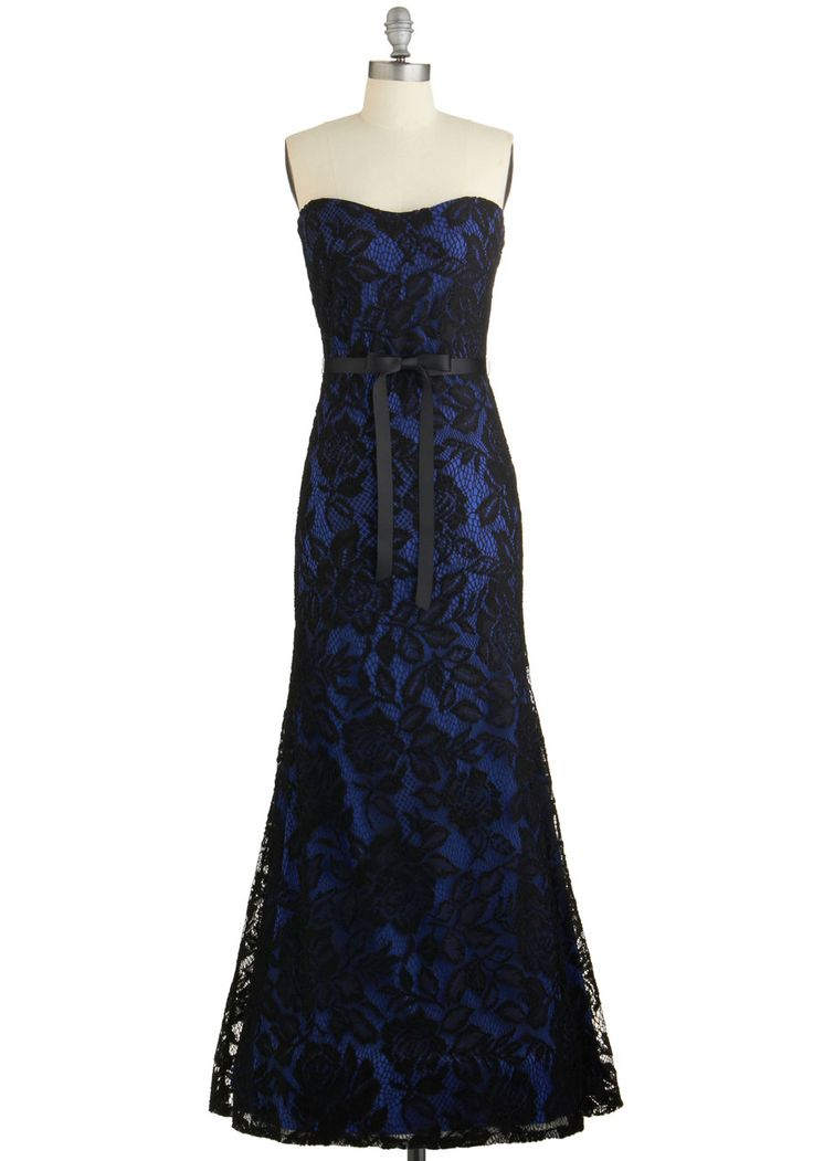 Vip decked out in this red carpet worthy maxi dress prom modcloth