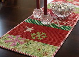 table Pinterest ideas Free book runner handmade e  Navidad