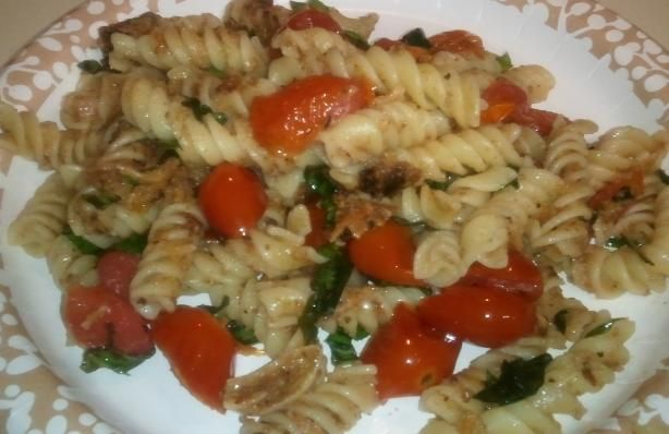 Pasta with Roasted Garlic, Cherry Tomatoes, and Basil. Simple.