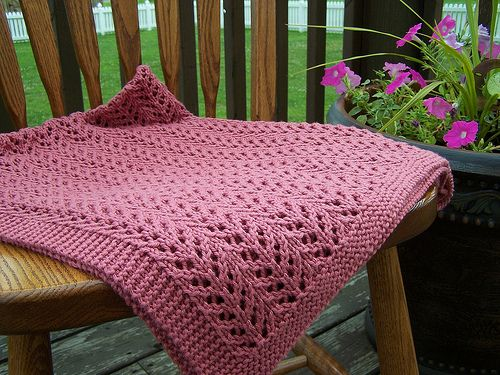 Ravelry Free Knitting Patterns For Baby Blankets : baby blanket, ravelry - free - worsted Knitted Throws ...