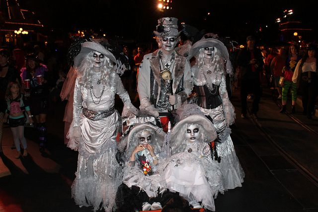 Costumes - Ghost Family by Loren Javier, via Flickr