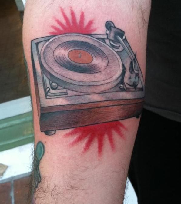 vinyl record tattoo on shoulder pictures to pin on pinterest tattooskid. Black Bedroom Furniture Sets. Home Design Ideas