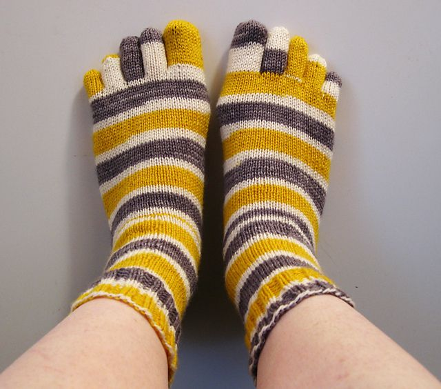 Crochet Socks Patterns Toe Up : basic toe sock pattern Knitting/Crochet - Socks Pinterest
