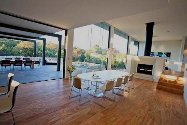 Fireplace in center of room eh project pinterest for Family room designs australia