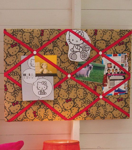 Hello Kitty fans will love this themed burlap memo board!  Perfect for a teen's room!