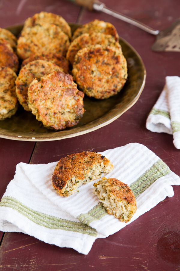 Baked Quinoa Patties. I love this idea! I love tuna patties also but ...