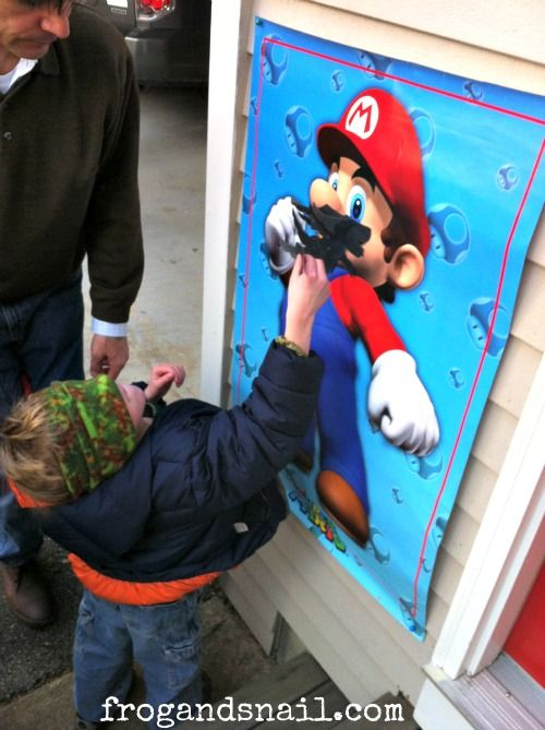 pin-the-mustache-on-mario