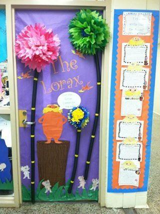 Dr seuss door decorating contest 2nd grade i guess pintere