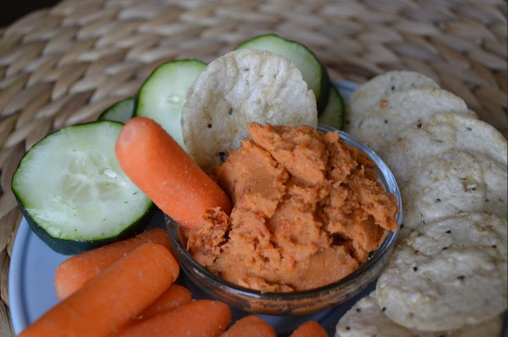 ... Healthy Recipe of Roasted Garlic & Sundried Tomato White Bean Dip