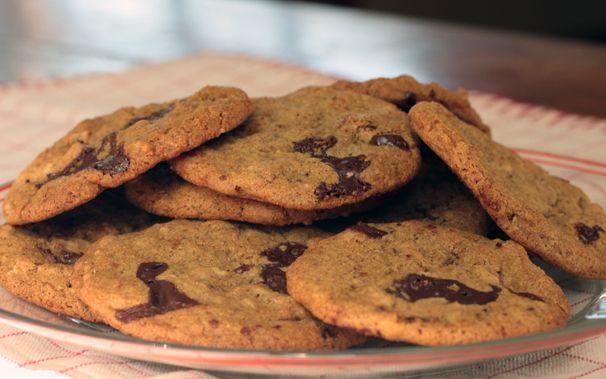 Vegan chocolate chunk-peanut butter-oatmeal cookies