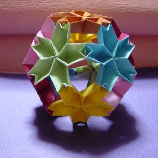 すべての折り紙 花 くす玉 折り紙 折り方 : くす玉・・・ORIGAMI | Papel e ...