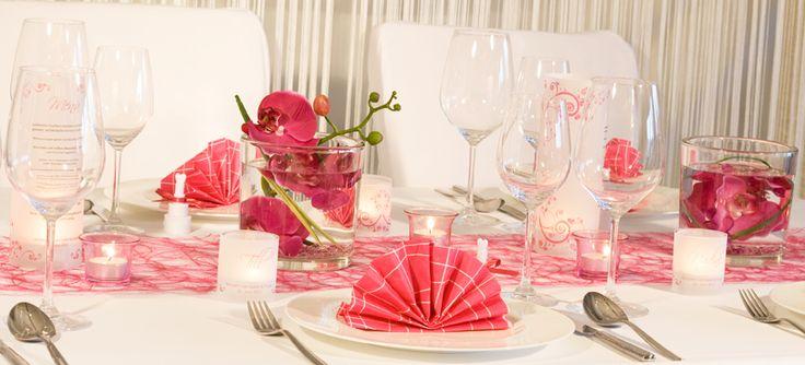 tischdekoration pink tischdeko in pink f r die hochzeit. Black Bedroom Furniture Sets. Home Design Ideas