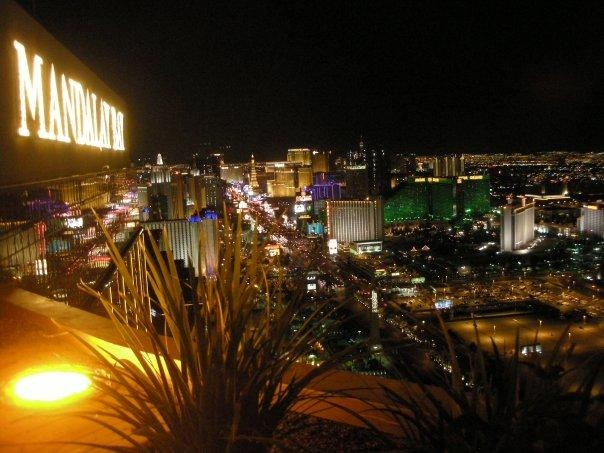 The best part about Las Vegas is being there at night, when everything is lit up. Love it.