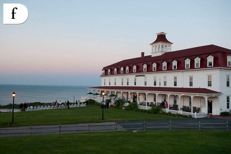 kellys island hotel