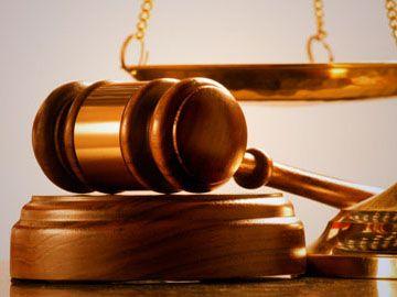 tesis hukum pidana militer Dipidana berarti dituntut berdasarkan hukum pidana, dihukum berdasarkan hukum pidana, sehingga terpidana berarti orang yang dkenai hukuman.