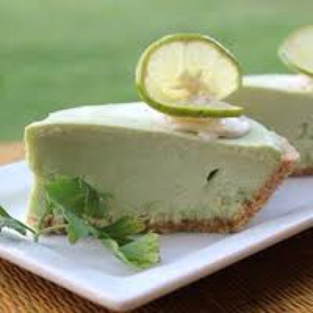 Avocado Lime Cheesecake ~ YUM!! | haVe Cake & EaT it Too | Pinterest
