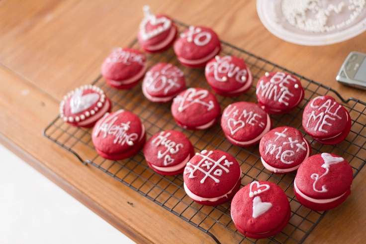 valentine's day whoopie pies! so beautiful!