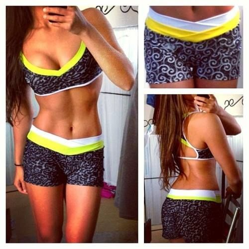 Watch The Perfect Muffin Top Diet for Women Who Want a Smaller Waist video