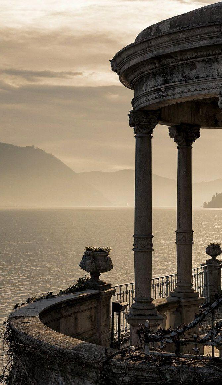 Lago di Como, Lombardy, Italy (by Roberto Roberti on 500px)