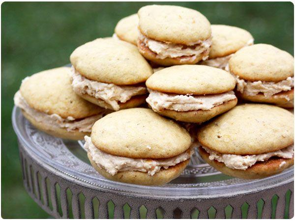 Peanut Butter Banana Whoopie Pies | Desserts | Pinterest