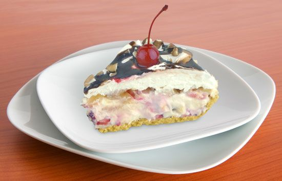 Banana Split Cheesecake | Cakes / Cheesecakes | Pinterest