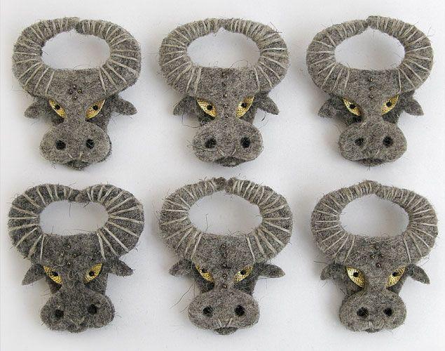 broches de toros