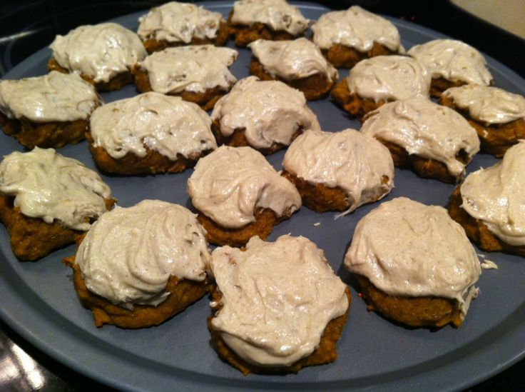 Pumpkin cookies with cinnamon frosting | Yummy stuff | Pinterest