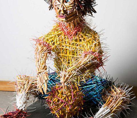 Frederico Uribe uses pencils to create life sized scultpures of humans (via @lostateminor)