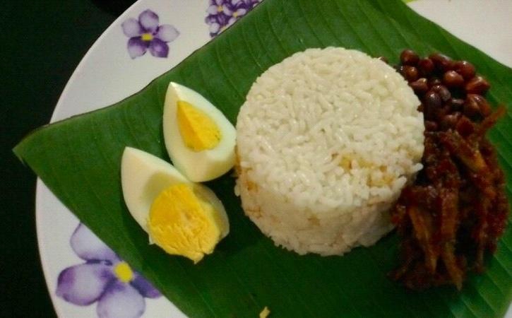 Nasi Lemak with sambal ikan bilis | My Food Diary | Pinterest